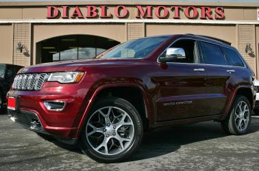2019 Jeep Grand Cherokee Overland 4WD, loaded, leather, panoramic moonroof, heat/cool seats, camera, tow pkg, MINT!