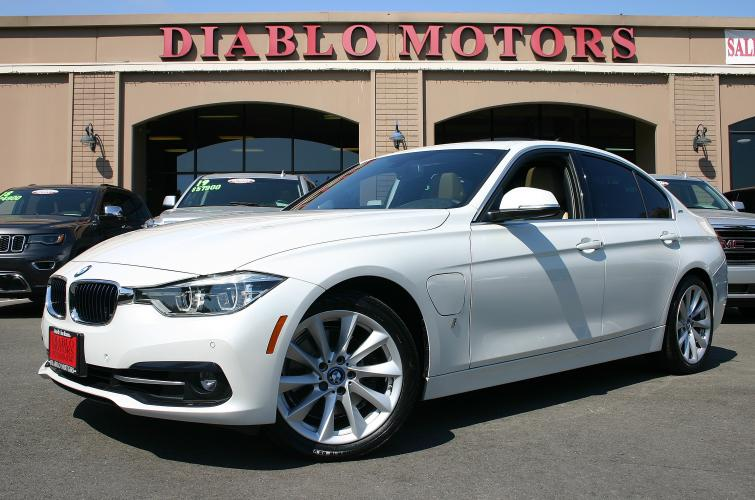 2017 BMW 3-Series 330e iPerformance Sedan, Premium pkg, Technology pkg, Driver Assist pkg, Navigation, 33k, MINT!