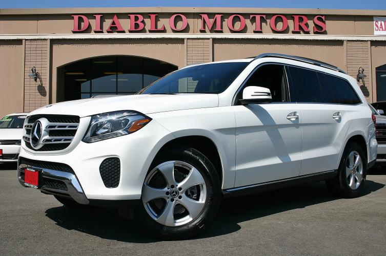 2018 White /Black Leather Mercedes-Benz GL-Class GL450 4MATIC (4JGDF6EE6JB) with an 3.0L V6 DOHC 24V TWIN TURBO engine, Automatic with Overdrive transmission, located at 2067 San Ramon Valley Blvd., San Ramon, CA, 94583, (925) 830-8747, 37.738945, -121.952454 - Photo #0