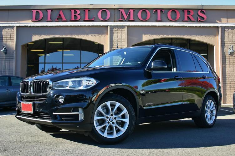 2016 BMW X5 xDrive35i AWD, 6 Cyl, Driver Assist pkg, Rear Camera, Panorama Moonroof, super clean!