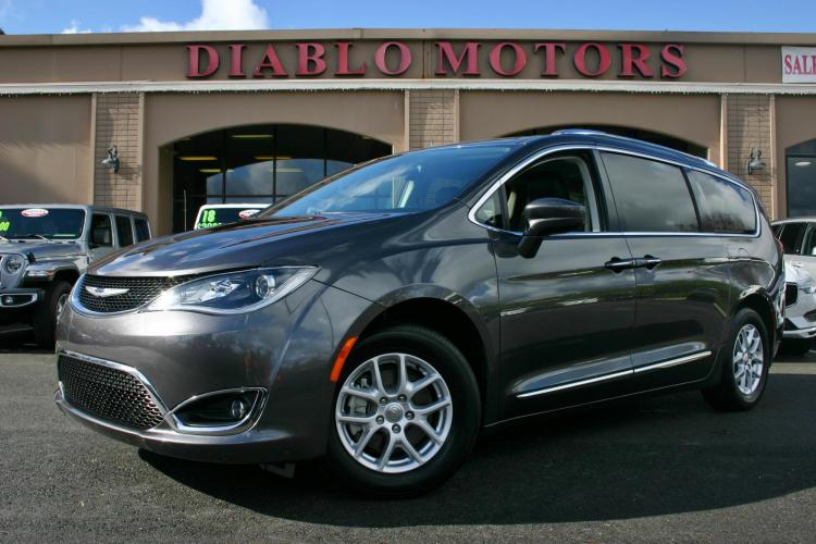 2020 Granite Crystal /Black Leather Chrysler Pacifica Touring-L (2C4RC1BG9LR) with an 3.6L V6 DOHC 24V engine, 9 Speed Automatic with OD transmission, located at 2067 San Ramon Valley Blvd., San Ramon, CA, 94583, (925) 830-8747, 37.738945, -121.952454 - Photo #0