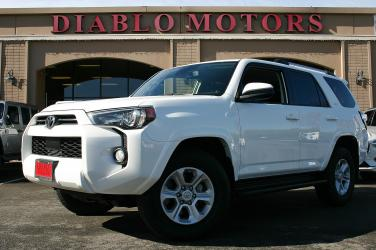 2020 Toyota 4Runner SR5 4WD, loaded, V6, heated leather seats, rear camera, XM radio, tow hitch, extra clean!